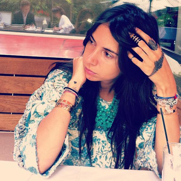 bracelet-hand-4