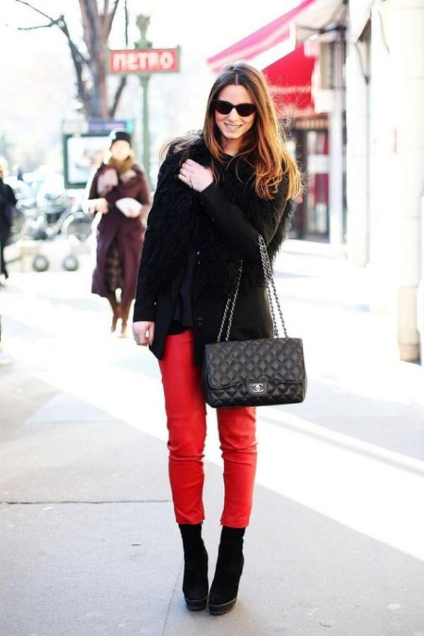 calca vermelha com preto