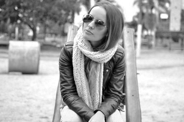 look jaqueta de couro preta