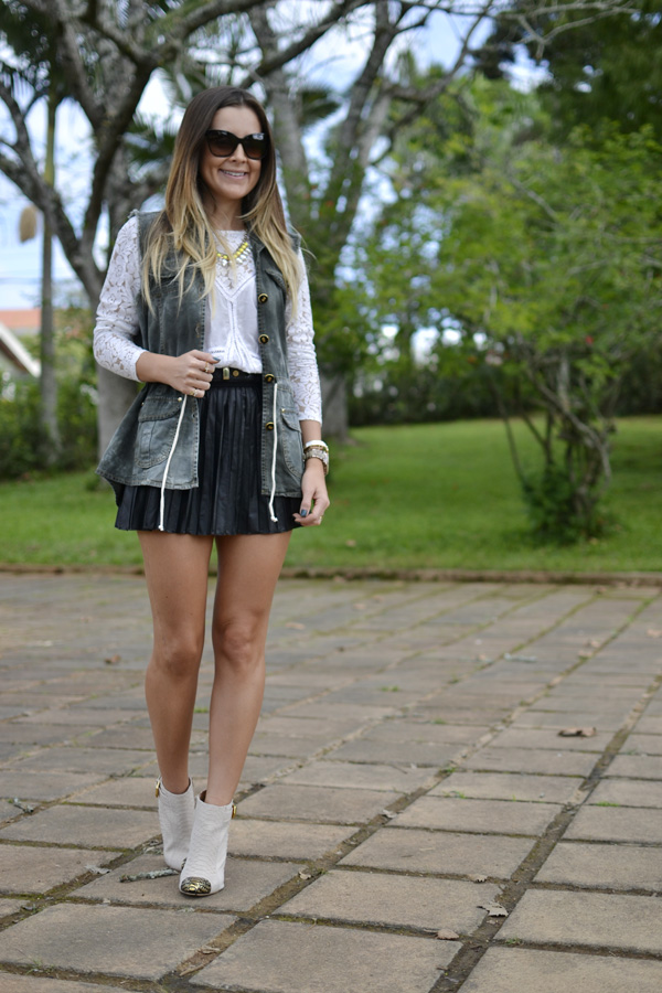 look saia de couro plissada