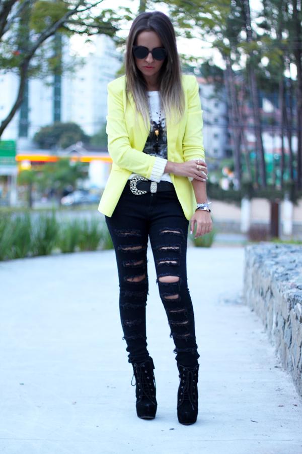 look loja virtual blazer amarelo lima calça black rasgada e tee john lennon yoko
