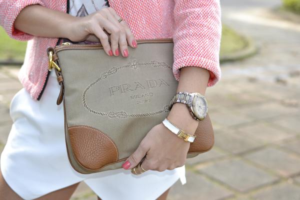 bolsa Prada e Bracelete Hermes