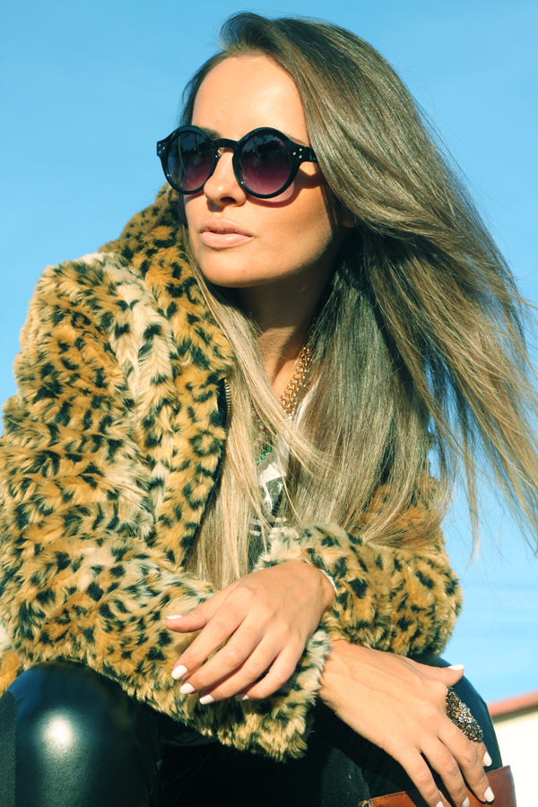look casaco de touca pele fake animal print8