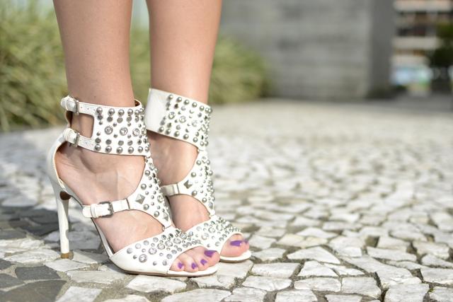 sandalia off white Uza Shoes